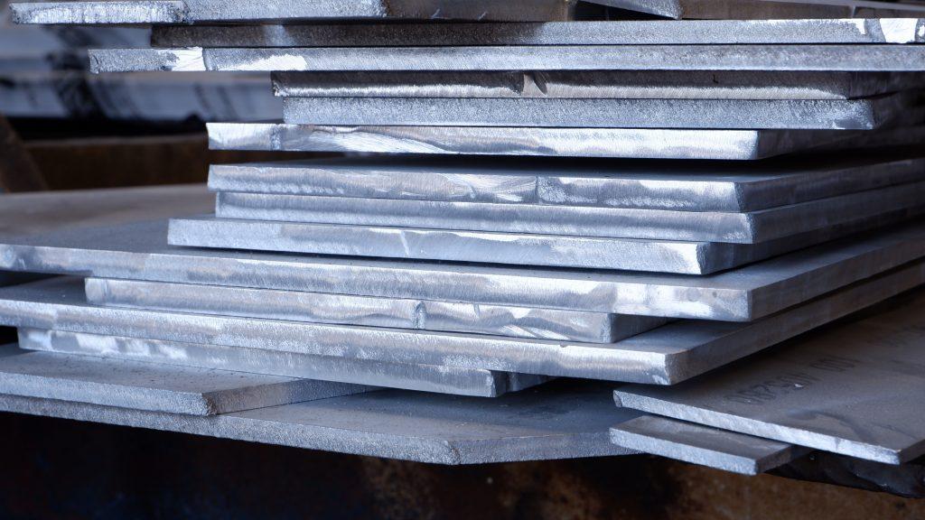 Flat aluminium plates
